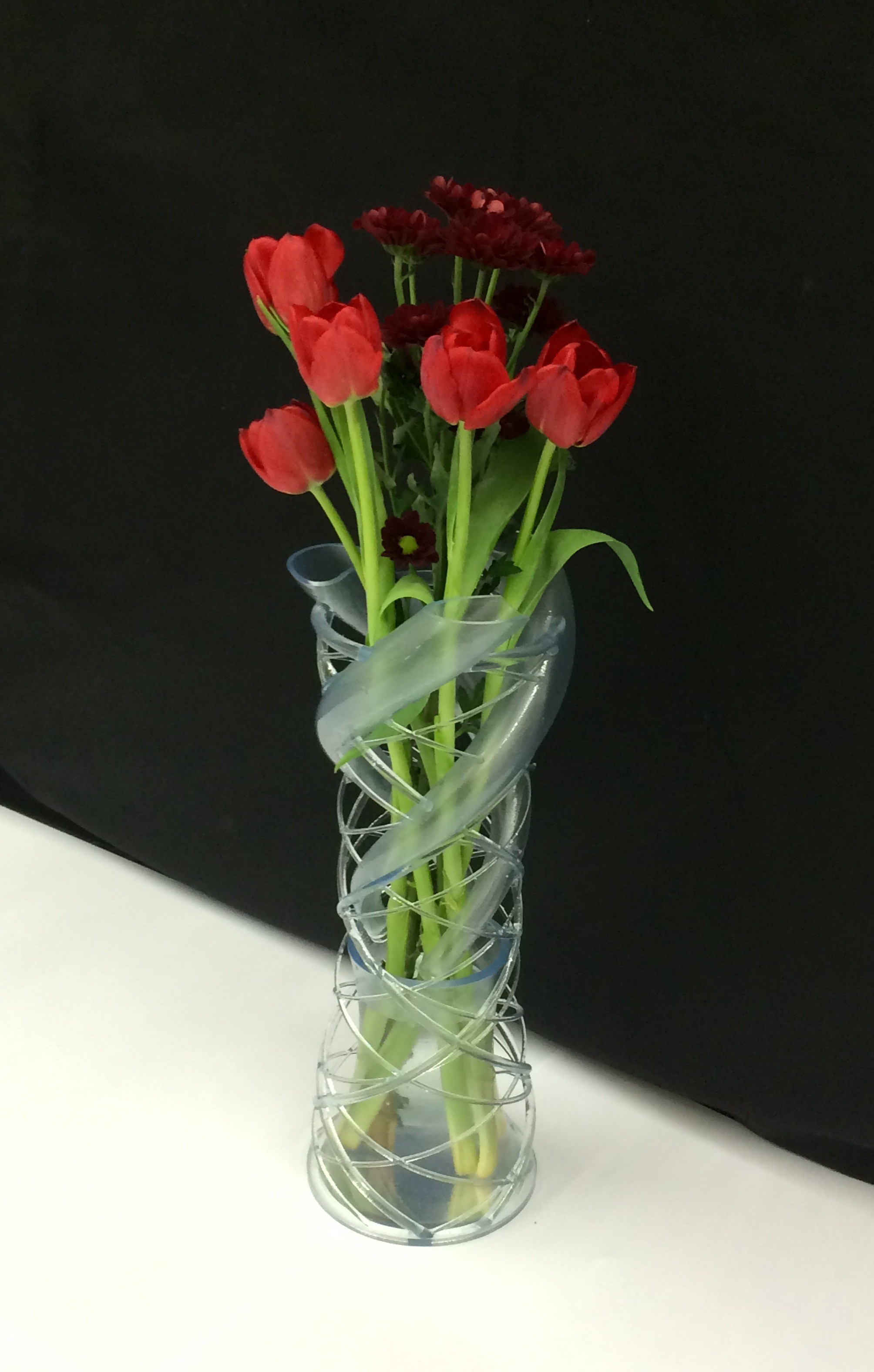 Unique 3d Printed Intertwine Vase Design Is Inspired By Dna And Leaf Patterns 3dprint Com