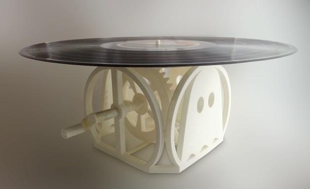 Woman Creates a 3D Printed Hand-cranked Record Player