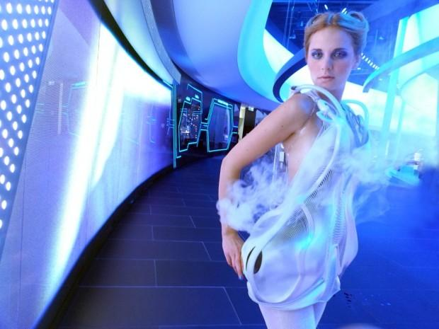 Anouk Wipprecht's 3D-Printed Proximity Attire Are Good for Social Distancing