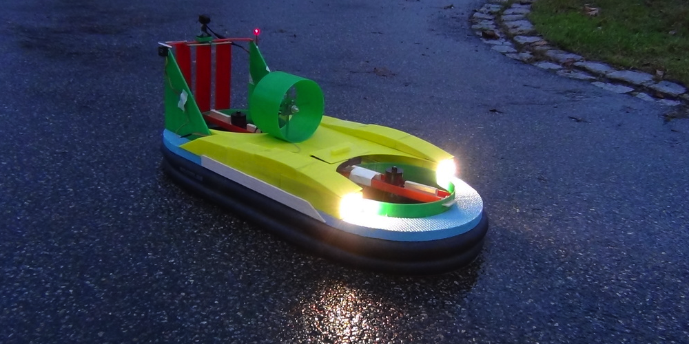 German Student 3D Prints an Amazing RC Hovercraft That Can Travel on Land & Water