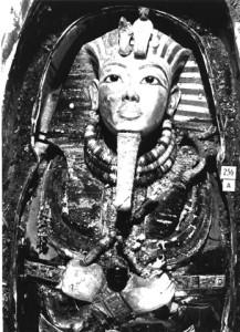 The very first photograph of King Tutankhamun's burial mask.