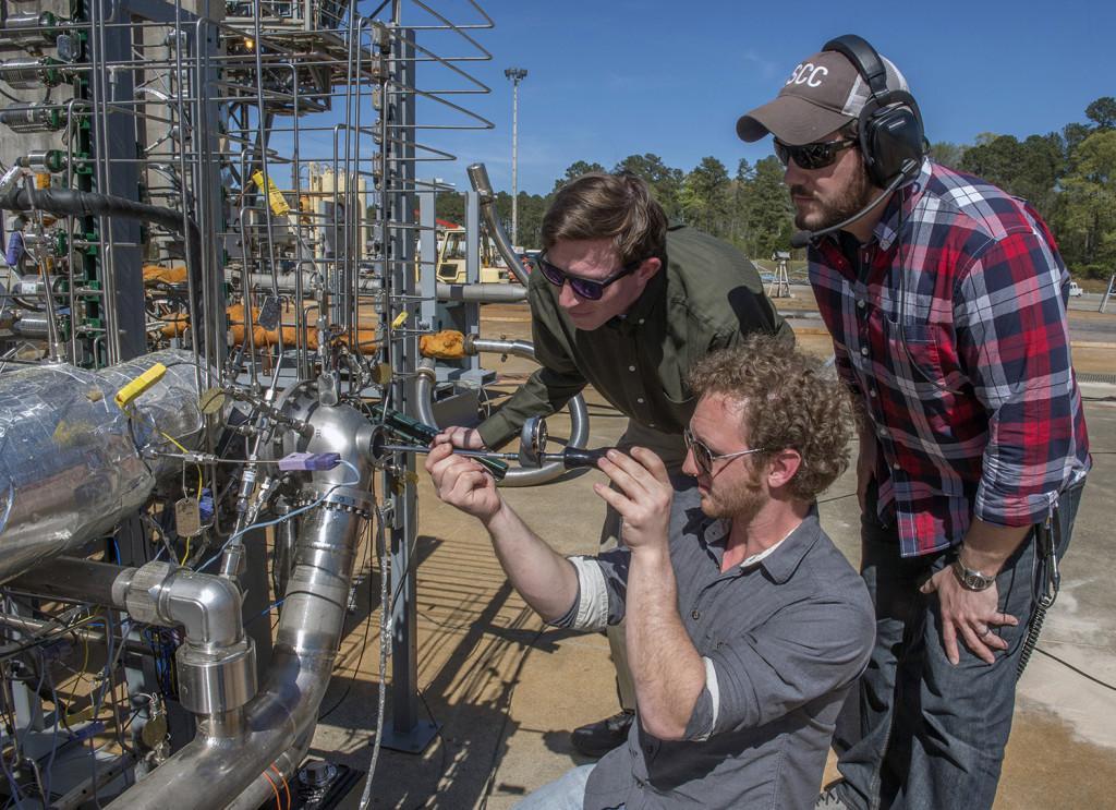 Engineers preparing the 3D printed turbopump.