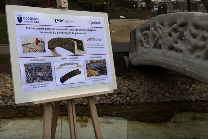 3D Printed Concrete Pedestrian Bridge Built in Madrid, City Representatives Call It a 3D Printing Milestone