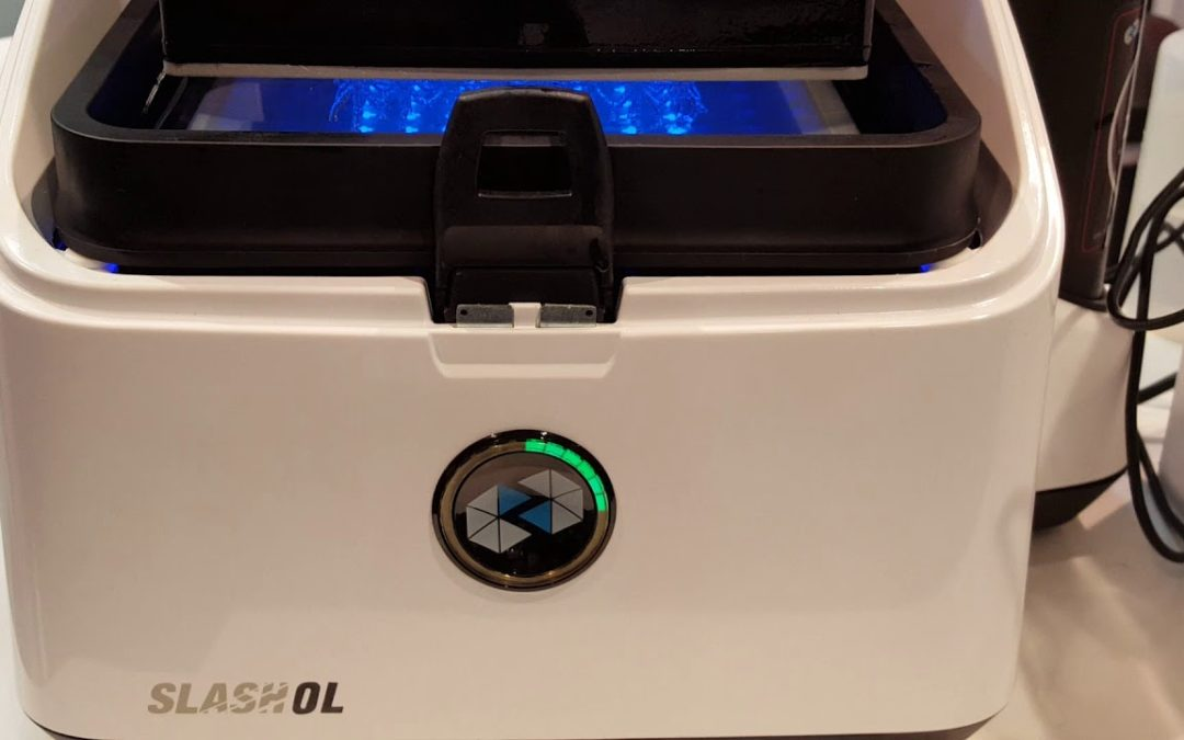 UNIZ SLASH OL 3D printing demo at CES 2018